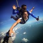 Salto de Paraquedas com a Camisa Alvinegra