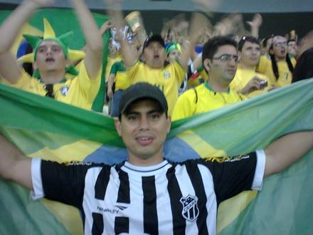 Alvinegro com a seleção brasileira.