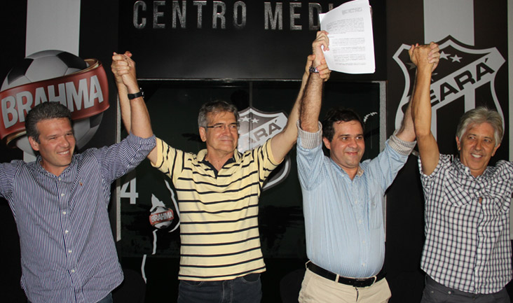 Dirigentes alvinegros comemoram o acordo firmado entre Ceten e Ceará Sporting Club