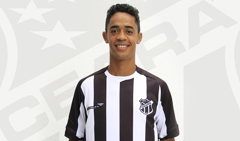 Felipe Amorim chegou à Porangabuçu nos últimos dias e trabalhou com o grupo