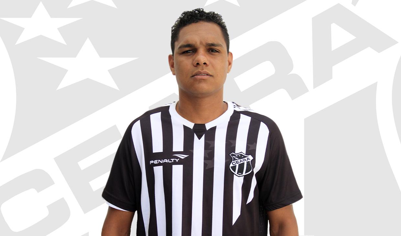 Thiago Humberto vai vestir a camisa do Ceará pela segunda vez. O atleta defendeu o clube em 2011