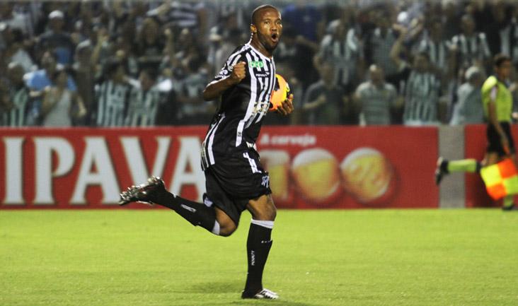 Rafael Vaz marcou dois gols nos dois últimos jogos, contra Fortaleza e ASA
