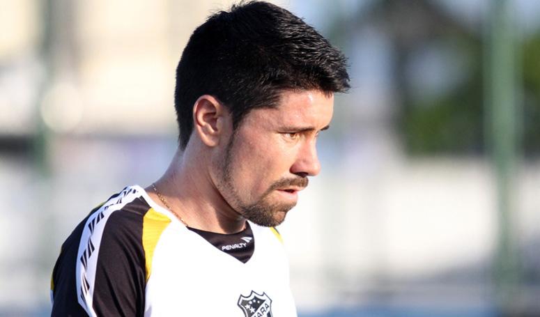 Por não ter atuado no último jogo, Ricardinho trabalhou forte durante a semana