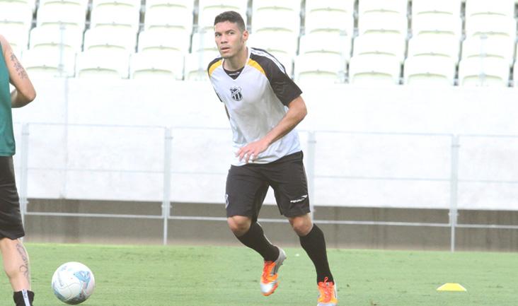 Xaves participou do treino técnico realizado na tarde de ontem, no Castelão