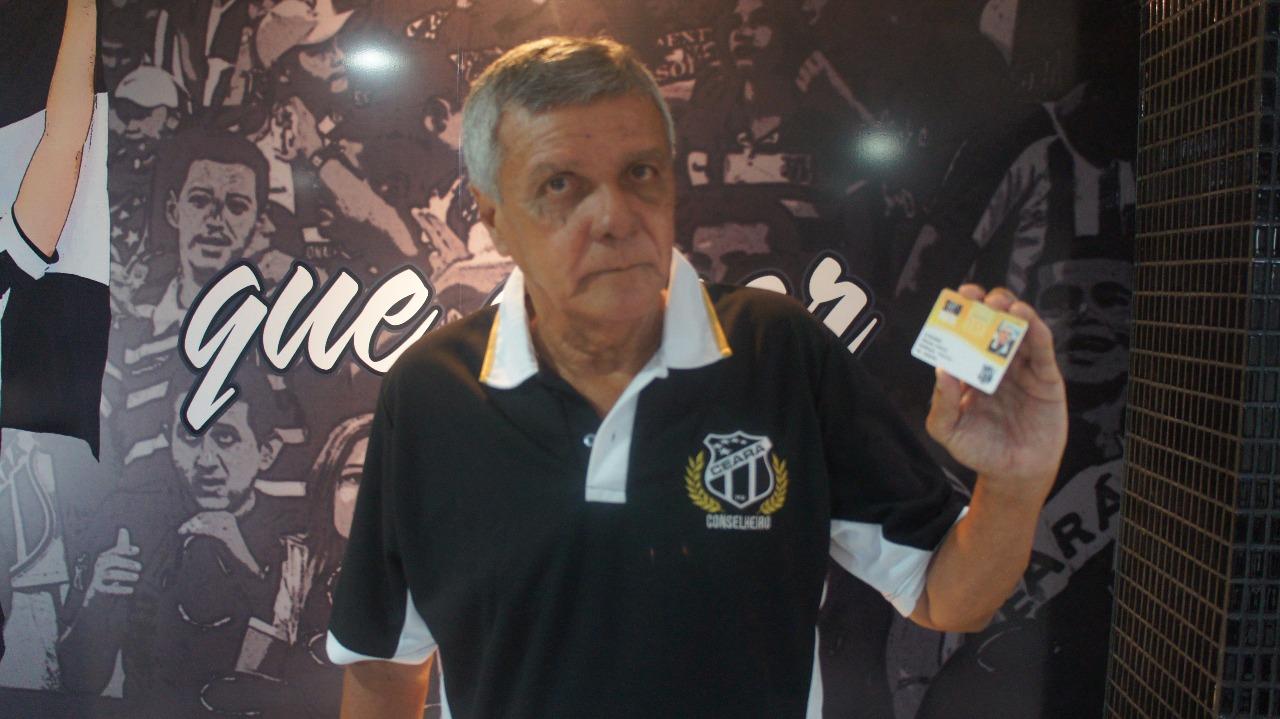 ... Zé Eduardo visitou a Loja Oficial - 9 (Foto  Souto Filho   Sou Mais ... a3cac1987cc90