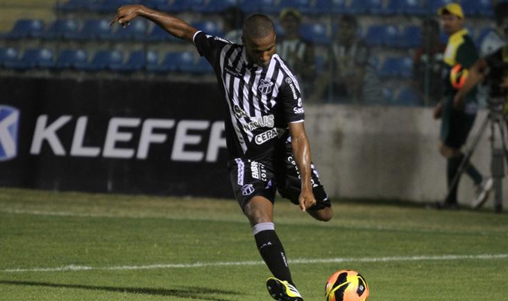 O zagueiro Rafael Vaz vem fazendo bons jogos pelo Ceará e contra o ABC não comprometeu