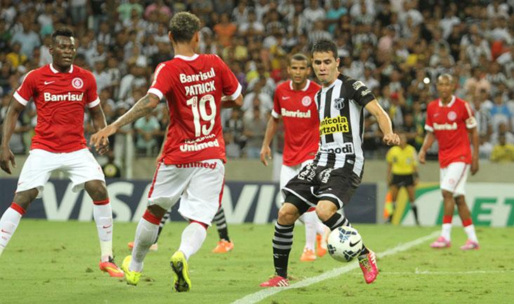 O meio-campista Eduardo teve boa movimentação e ajudou muito o time diante dos gaúchos