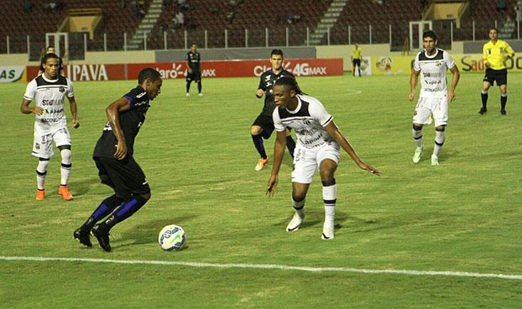O confronto no estádio Batistão foi movimentado, mas o Alvinegro cansou de perder chances