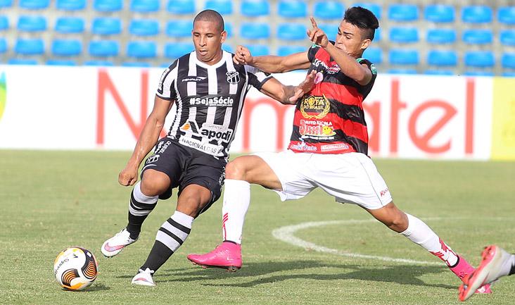 Com dois gols do artilheiro Rafae Costa e um de Buiú (o primeiro do lateral-direito como profissional), o Vozão venceu mais uma