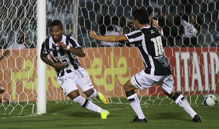 O gol da vitória alvinegra saiu apenas aos 46 minutos, em jogada de Marinho e Magno Alves