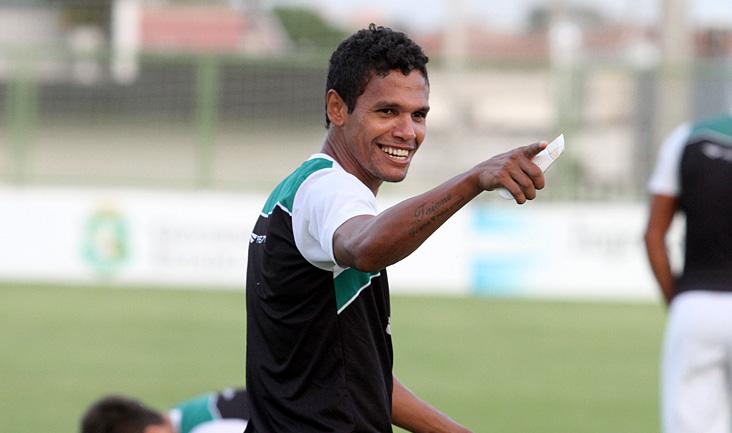 Já treinando com o grupo, em Porangabuçu, Fabinho tem boas perspectivas para defender o manto alvinegro