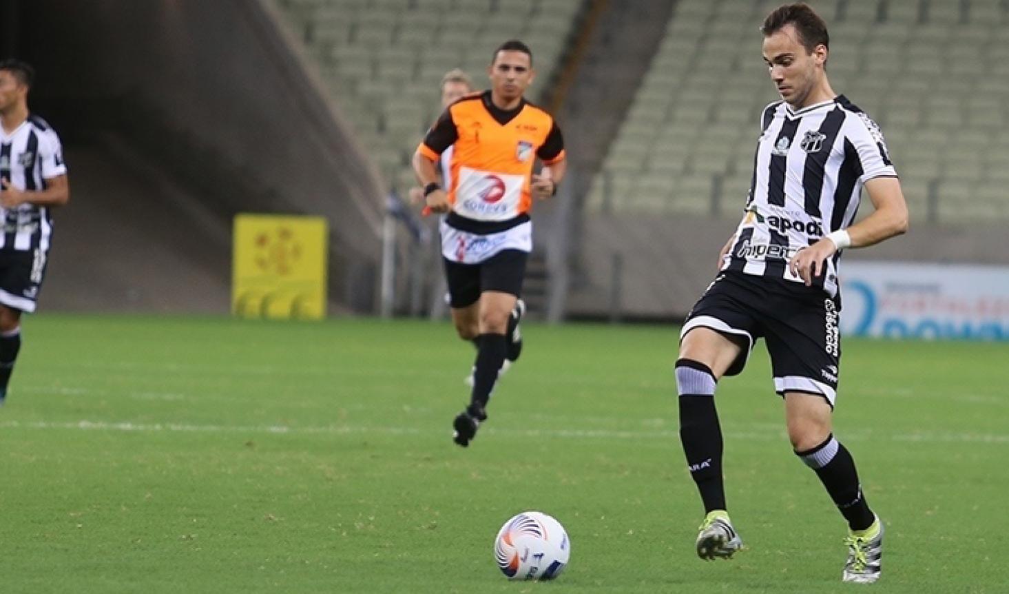 Formado nas categorias de base do Grêmio, o meia Felipe Tontini pode atuar contra o ex-clube.