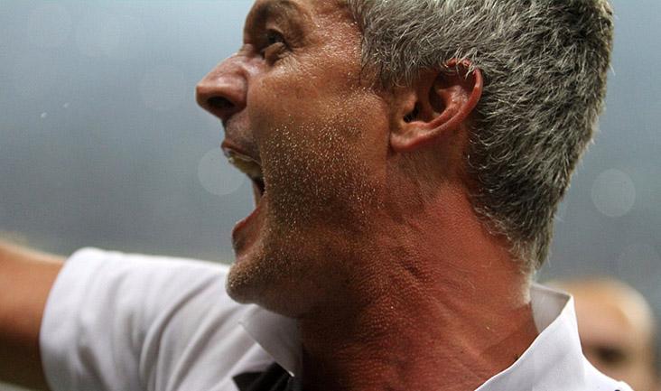 O treinador chegou com um discurso motivador e conseguiu resgatar a confiança do elenco