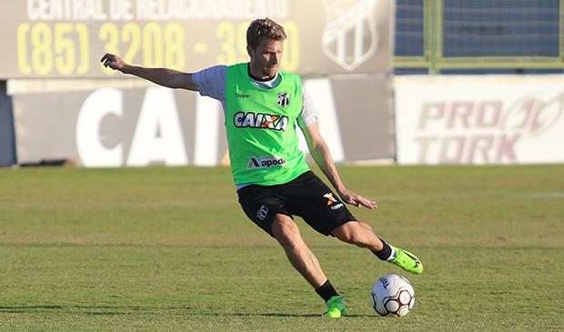7d51ebb168360 Segunda-feira foi de reapresentação e treinos no Estádio Vovozão