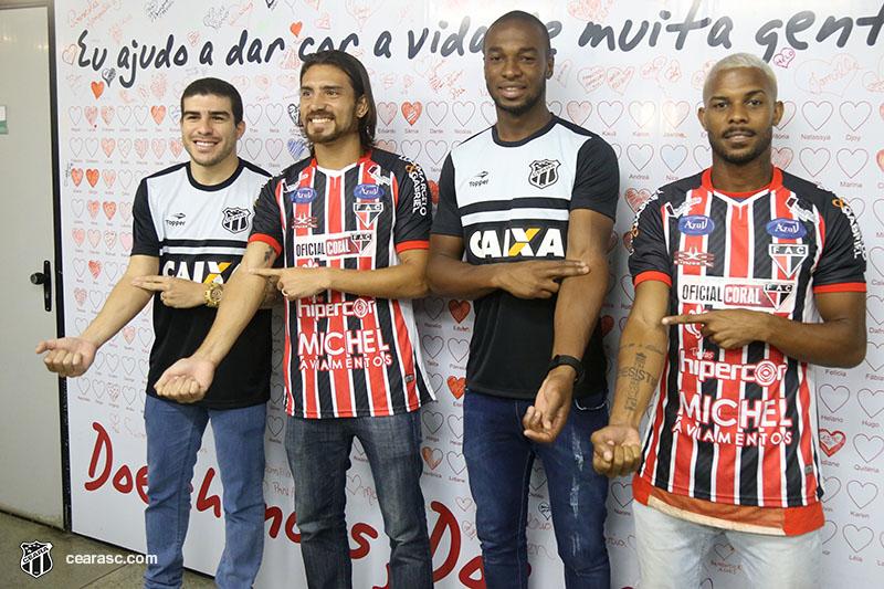 Rivalidade mesmo só em campo. Finalistas, Richardson, Máxuell, Luiz Otávio e Vitinho se uniram para promover a doação de sangue entre torcedores.