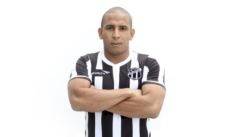 Com boa experiência em vários clubes do futebol nacional, Rafael Costa chega muito motivado