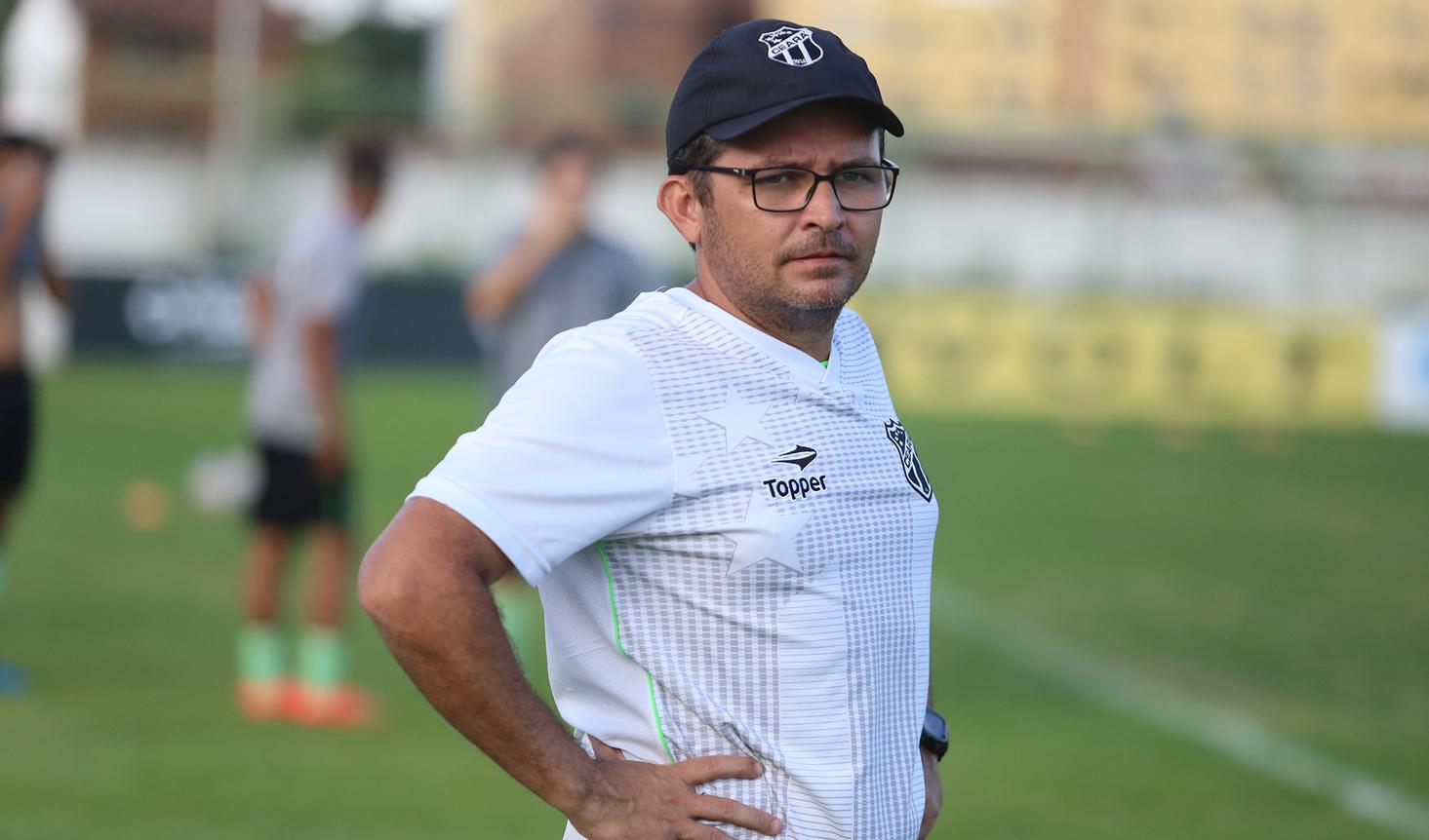 """Erisson Matias: """"Vamos ter jogos difíceis, adversários complicados, mas o nosso dever é preparar os atletas para atingirem a vitória""""."""