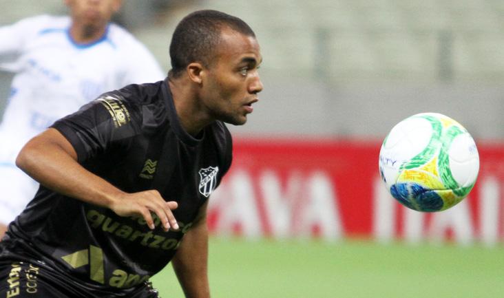 """""""Dei uma assistência e fiz um gol, então, é bom pensar positivo"""", relembrou Samuel Xavier"""