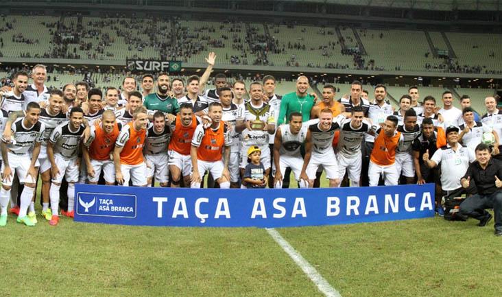 Diante de 35 mil pessoas, cearenses e cariocas fizeram um jogo espetacular e recheado de gols