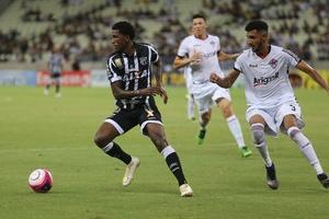 Ceará vence Uniclinic, assume a liderança e se classifica para as semi do Estadual
