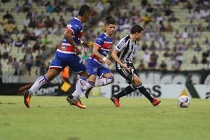 Na Arena Castelão, Ceará joga bem, mas perde a primeira partida pelo Estadual