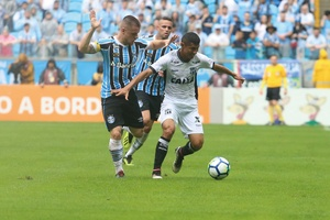 Brasileiro: Ceará fica na frente duas vezes, mas perde de virada para o Grêmio