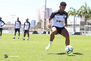 De olho no Flamengo, elenco se reapresentou no CT de Porangabuçu
