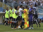 Ceará domina totalmente a partida e goleia Oeste ainda no 1º tempo (3 x 0)