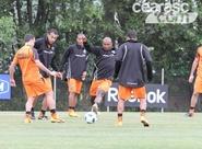 Alvinegros finalizaram treinos nesta tarde, em São Paulo