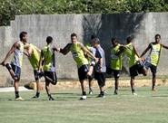 Ceará passa o dia em Itaitinga, treinando no CETEN