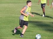 Dimas relaciona 20 jogadores para encarar Corinthians