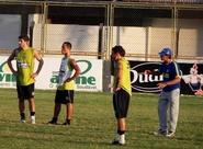Dimas comanda treino coletivo no Vovozão