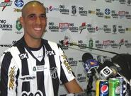 Juninho é apresentado em Porangabuçu
