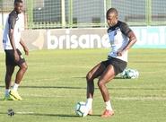 Elenco segue preparação para partida diante do Corinthians