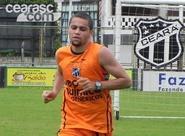 Felipe Azevedo é regularizado e está à disposição de Mancini