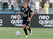 """Artilheiro da equipe, Felipe Azevedo diz: """"A vitória nos animou muito"""""""