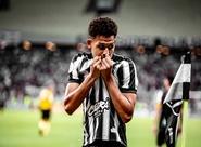 """Felippe Cardoso celebra bom momento: """"estou dando o meu melhor"""""""