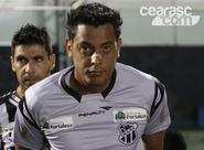 Fernando Henrique se recupera e é relacionado para Ceará x Inter