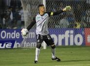 Fernando Henrique não jogará diante do Figueirense