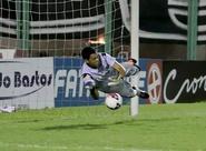 """Fora do jogo de amanhã, Fernando Henrique diz: """"Confio nos meus companheiros"""""""