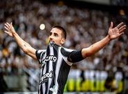 Com sete gols, Thiago Galhardo já é um dos principais artilheiros do Ceará em uma edição do Brasileirão