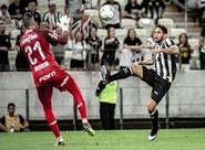 Em noite de golaços, Ceará vence o líder Palmeiras na Arena Vozão