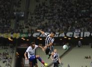 Com gol de Rafael Costa Vozão vence o Bahia e chega ao sexto jogo sem derrota