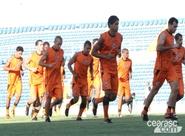 Alvinegros participam de treino coletivo no estádio Presidente Vargas