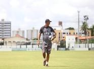 Antes de viagem a Maceió, elenco alvinegro faz último treino em Porangabuçu