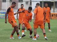 Com apoio do torcedor, Ceará treinou nesta tarde