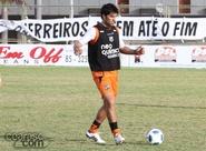 """À disposição de Dimas, Diego Sacomam afirma: """"Ainda posso ajudar"""""""