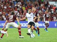 Jogando no Maracanã, Ceará sai na frente, mas sofre virada do campeão Flamengo