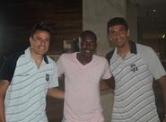Ex-jogador Reinaldo Aleluia visita delegação alvinegra