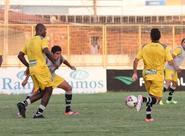Sob o comando de Anderson Silva, alvinegros treinaram no Vovozão